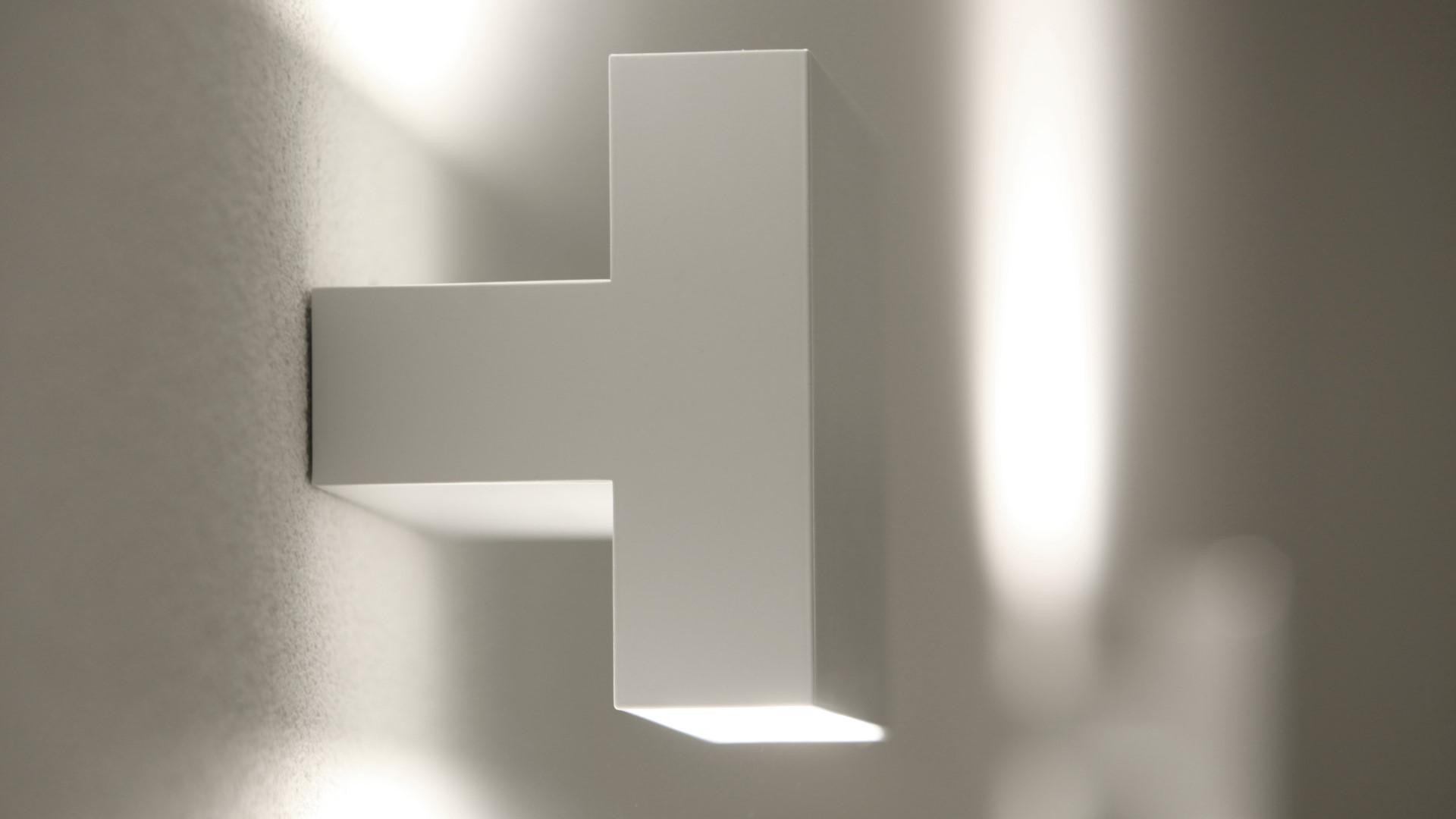 Abitazione 4 vano scale luce e design for Abitazione design